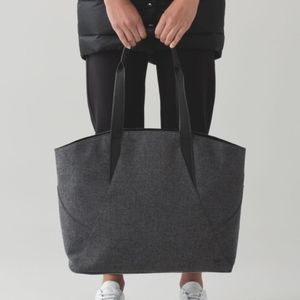 EUC Lululemon   All Day Tote